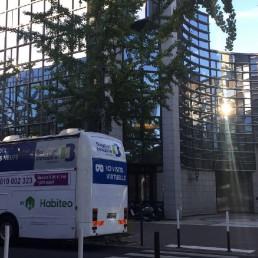 Habiteo Truck devant TF1 - Groupe Bouygues