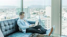 Immobilier neuf : travailler à distance et garder le lien avec ses acquéreurs potentiels